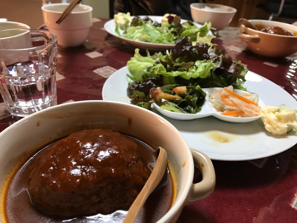 大阪 富田林 寺内町 きっちんあいの煮込みハンバーグ